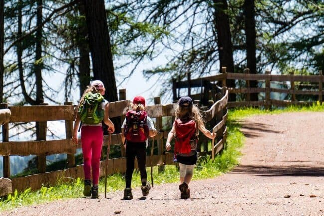 25 Tips For Hiking With Kids